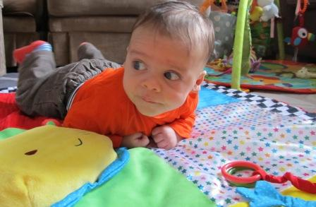 Tummy Time for baby - tips and information, from baby-brain.co.uk