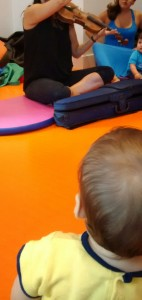 baby music class. baby-brain.co.uk Psychology resource and perspective on babies and motherhood
