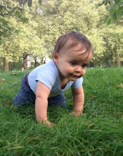 go to the park with baby. activity ideas maternal mental health and well being. baby-brain.co.uk psychological resource, perspective and blog on motherhood and babies