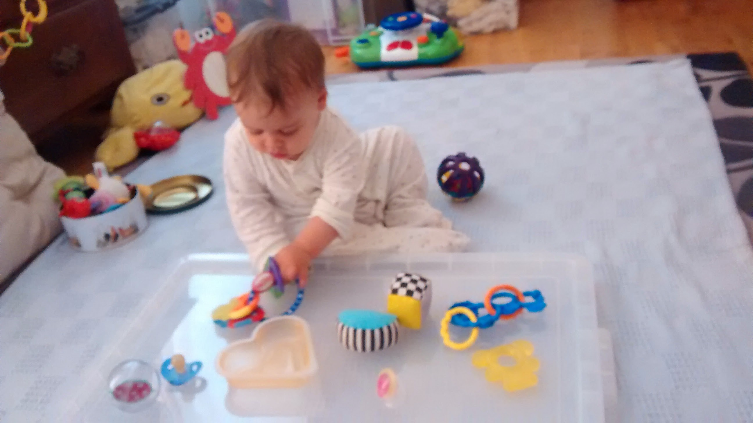 Baby – Simple play ideas & activities