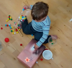 Easy & Fun Toddler Activities: inspiration for straightforward toddler activities that they will enjoy, with developmental benefits discussed! Baby-Brain.co.uk