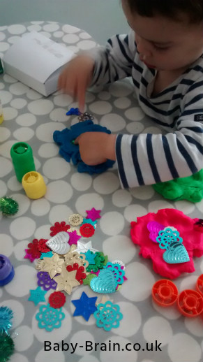 Get Creative! The Psychology of Play with baby, toddler and kids - the benefits and more!